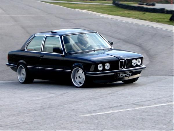 Замена реактивной тяги стабилизатора BMW E21