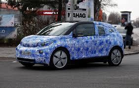 BMW i3 был включен в топ 10, в номинаций «Прорыв года» по версии Popular Mechanics