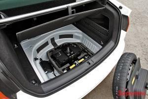 Замена аккумулятора BMW Z4