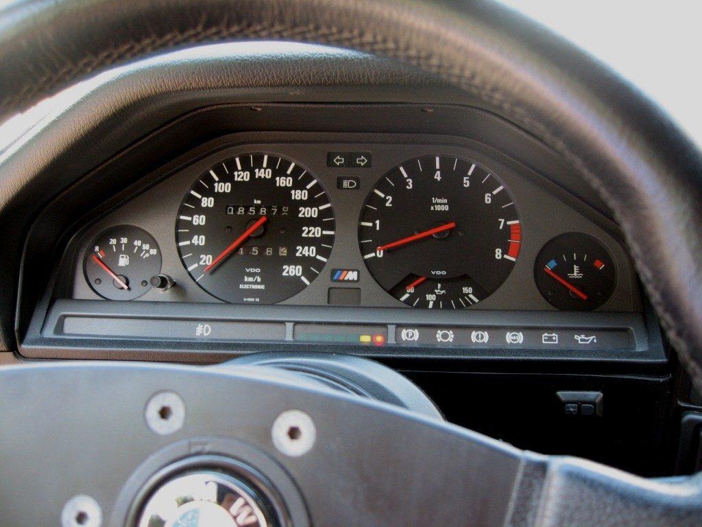 Фото BMW m3 e30_10