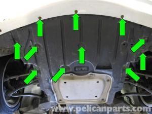 демонтаж переднего брызговика двигателя e90