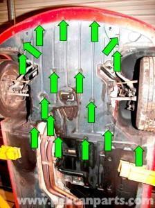 снять зашиту двигателя Е90