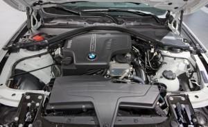 2013 BMW 320i двигатель