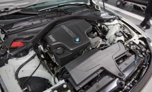 2013 BMW 320i под капотом