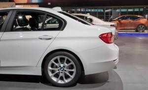 2013 BMW 320i сбоку