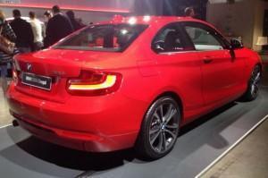 BMW 220i красный