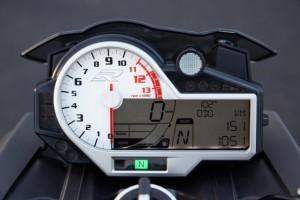 BMW S 1000 R приборная панель
