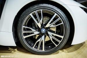 BMW i8 колесо