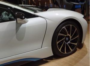 BMW i8 фото колесо
