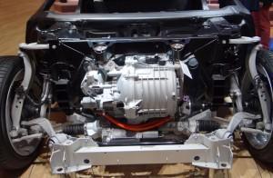 BMW i8 фото под капотом