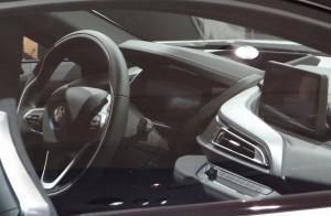 BMW i8 фото руль