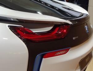 BMW i8 фото сзади