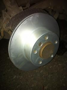 новый тормозной диск bmw e81