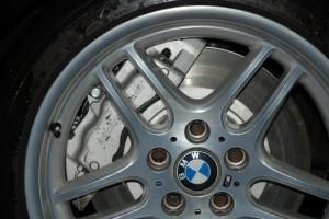 новые диски и тормоза bmw e38