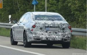 гибридный BMW 7 серии 2016