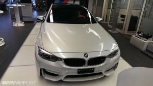 спереди BMW m4