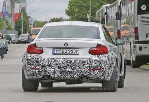 BMW M2 с 4-мя выхлопными