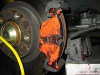установка новой тормозной колодки e46