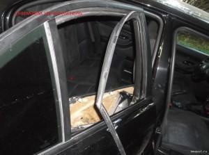 BMW 520i уплотнитель стекла