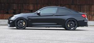 BMW M4 купе сбоку тюнинг