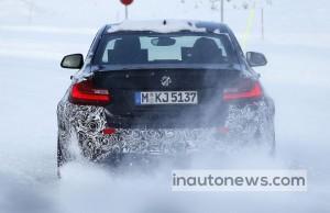 BMW M2 на снегу