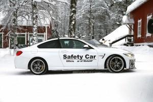 BMW M4 GTS зимой
