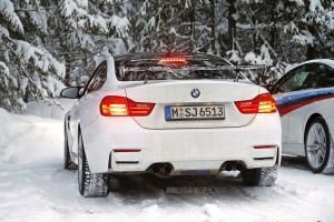 BMW M4 GTS сзади