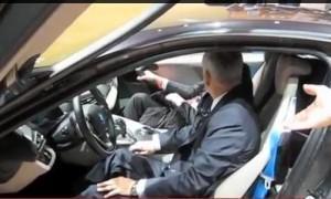 открывается дверь на BMW i8