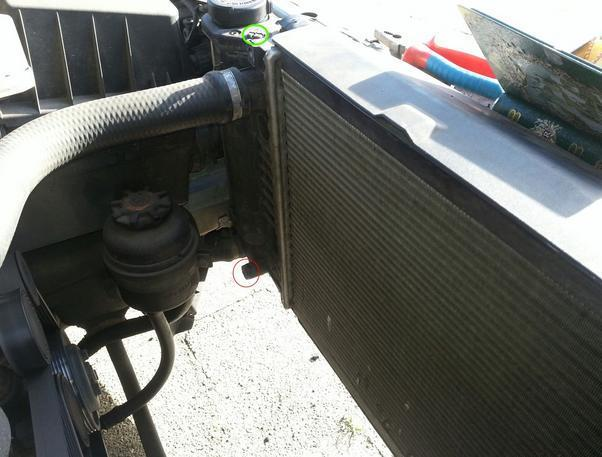 слив жидкости BMW e36 318i