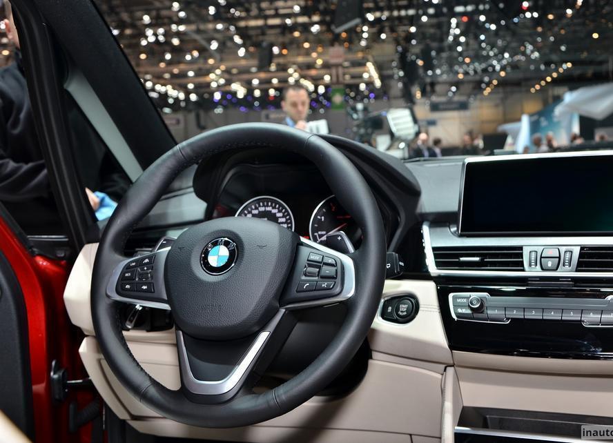 руль BMW 2-серии Gran Tourer