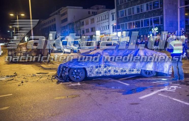 прототип BMW 7-й серии в аварии