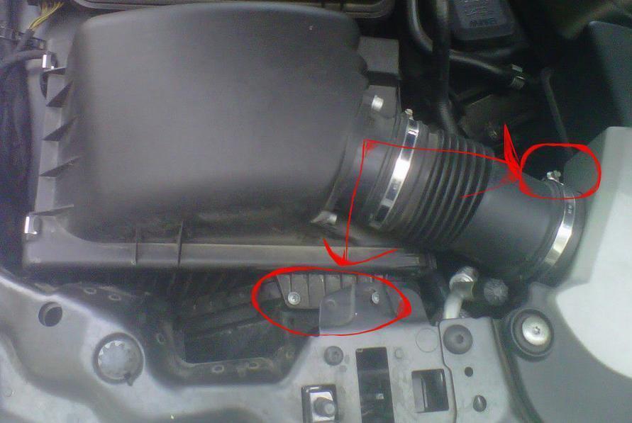 BMW E65/E66 — замена ламп в передних фарах