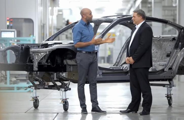 Первое рекламное видео новых BMW 7 серии