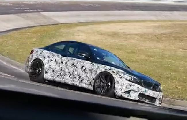 BMW M2 отлично смотрится на трассе Нюрбургринг