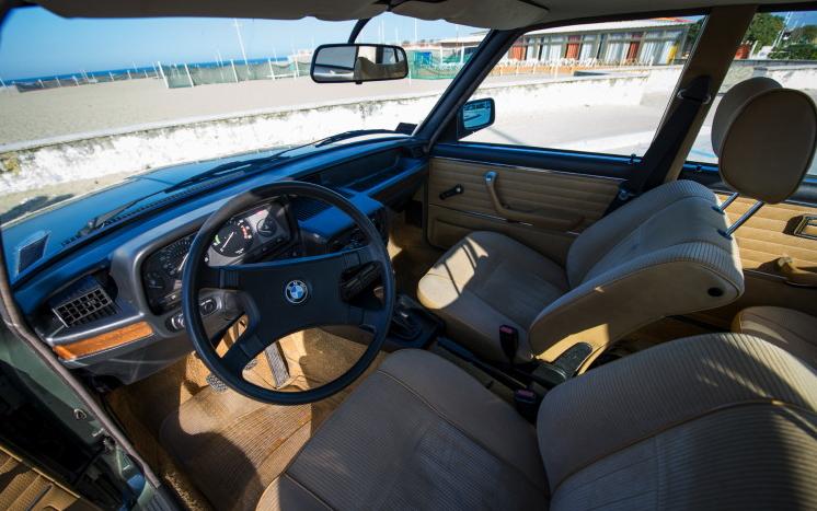 """Легендарная BMW E12 5 серии – шикарная """"старушка"""""""