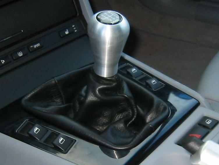 Фото отчет по замене чехла на ручке переключения передач BMW M3 (E46)