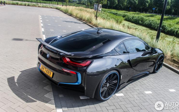 Фотографии новой BMW i8