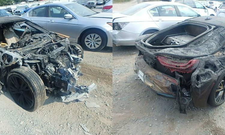 На продажу выставлен сгоревший BMW i8