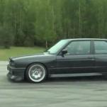Видео, кто быстрей: стоковый BMW F10 M5 или V10 BMW E30 M3