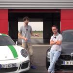 Видео гонки BMW M4 GTS против Porsche 911 R