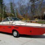 Микроавтобус Ford превратили в лодку на колесах и продают за 4 миллиона рублей