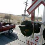 Штраф за неправильный проезд через рельсы собираются повысить в 5 раз