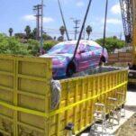 Видео: блогер покрасил Honda Civic, опустив его целиком в гигантский контейнер с водой