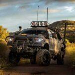 Посмотрите на Toyota Tundra, который спасёт от зомби-апокалипсиса