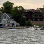 Американец утопил два внедорожника, пытаясь спасти свой катер