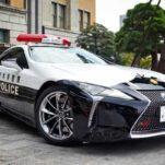В автопарке японской полиции появилось суперкупе Lexus